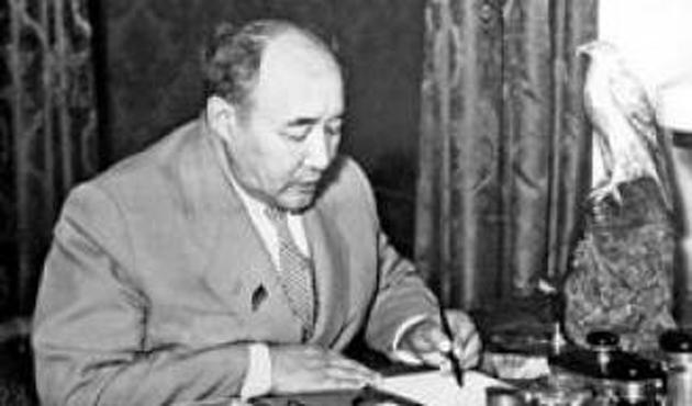 Kazakistan'da ünlü yazar Avezov anıldı