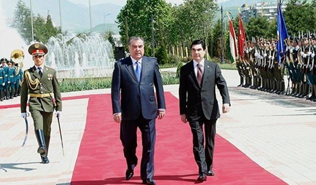 Tacikistan ve Türkmenistan'dan 13 yeni anlaşma