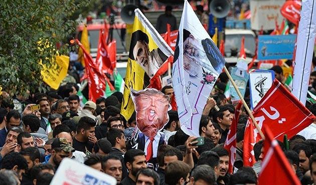 İran'daki eski ABD Büyükelçiliği önünde 3 ülke aleyhine gösteri