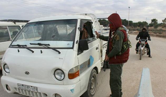 PKK/PYD Münbiç'teki gençleri zorla silah altına alıyor