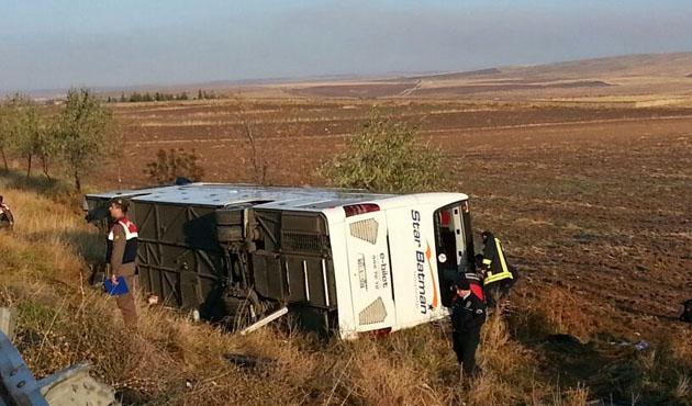 Ankara'da yolcu otobüsü devrildi: 1 ölü