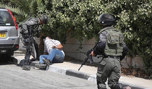 İşgal güçleri ekim ayında 483 Filistinliyi gözaltına aldı