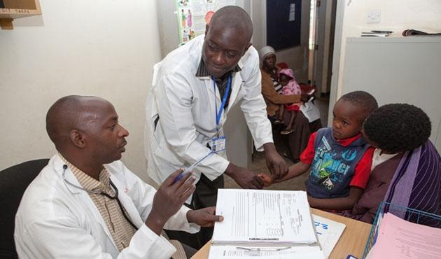 Uganda'da doktorlardan 'süresiz grev'