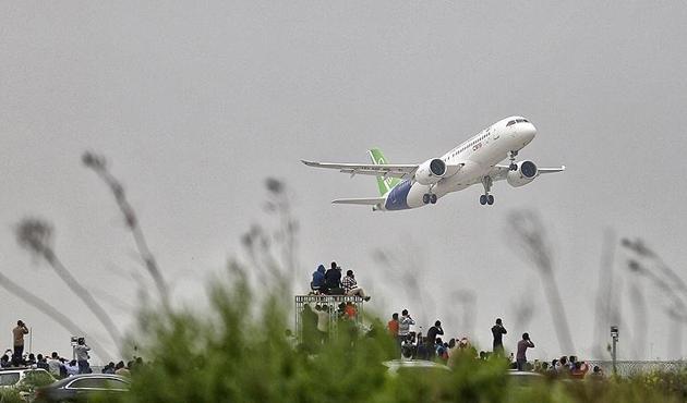 Çin yapımı yolcu uçağından ilk uzun mesafeli uçuş