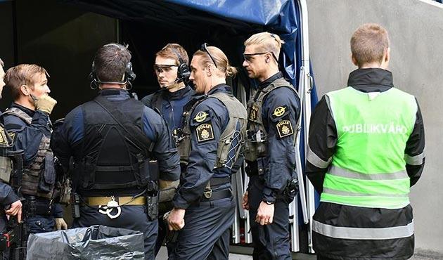 İsveç'te izinsiz gösteriye polis müdahalesinde 16 gözaltı