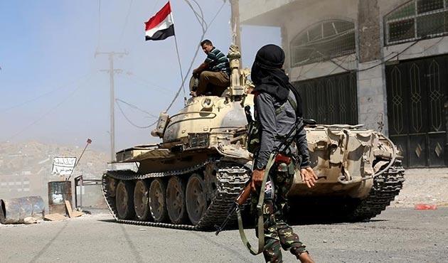 Yemen Genelkurmay Başkanı Ukayli, mayın patlamasında yaralandı
