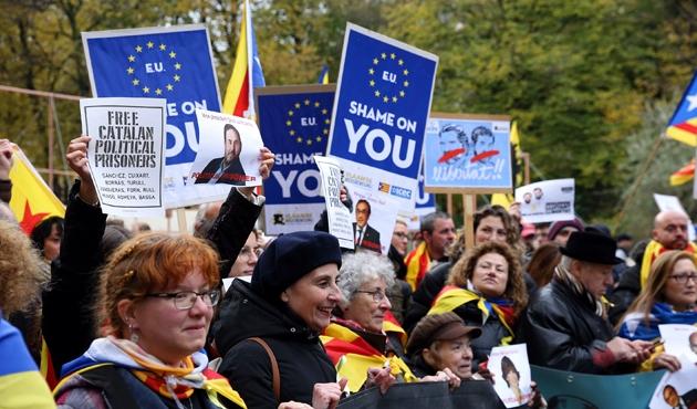 Ayrılıkçı Katalanlardan Brüksel'de protesto