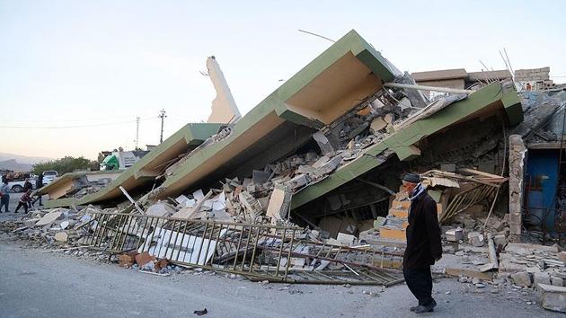 Irak-İran sınırındaki depremde ölü sayısı 300'ü aştı