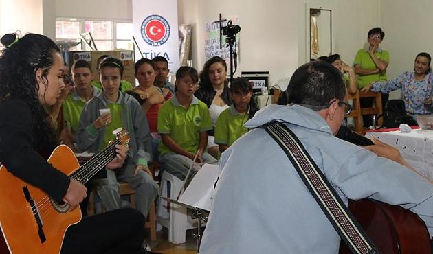 TİKA'dan Kolombiya'daki engelli çocuklara destek