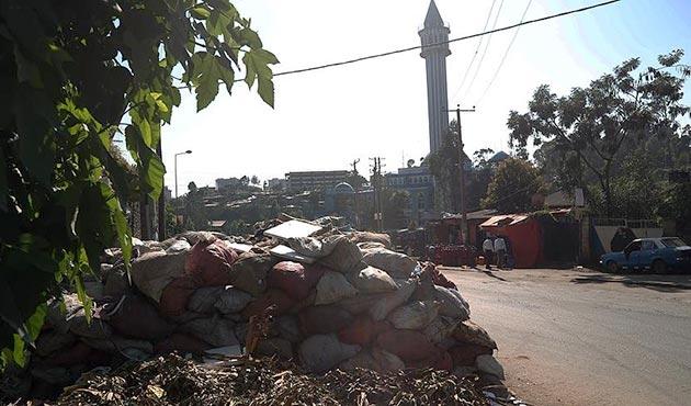 Etiyopya'nın başkentinde çöp dağları oluştu