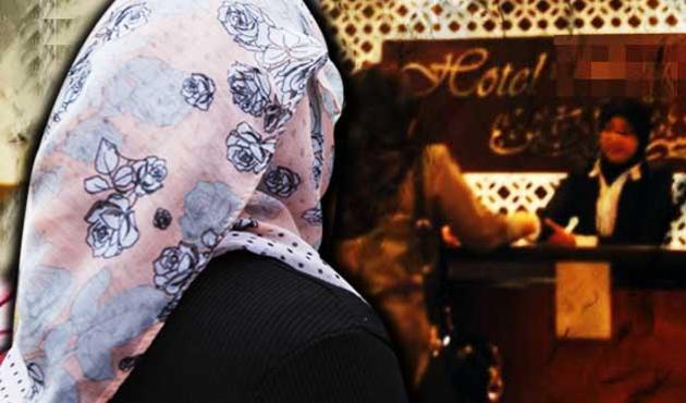 Malezya'da başörtüye otel yasağına tepki