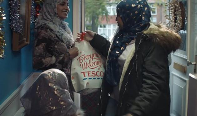 Noel yemeği reklamında Müslüman oyunu | VİDEO