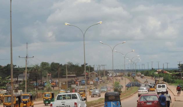Nijerya Devlet Başkanı'ndan Biafra'nın bölgesine ziyaret