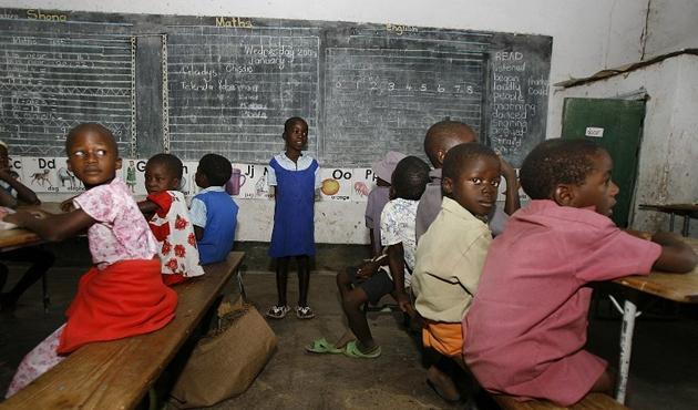 Zimbabve'deki askeri müdahale sonrası eğitime ara