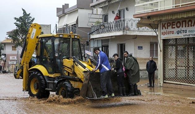 Yunanistan sel felaketinin yaralarını sarmaya çalışıyor