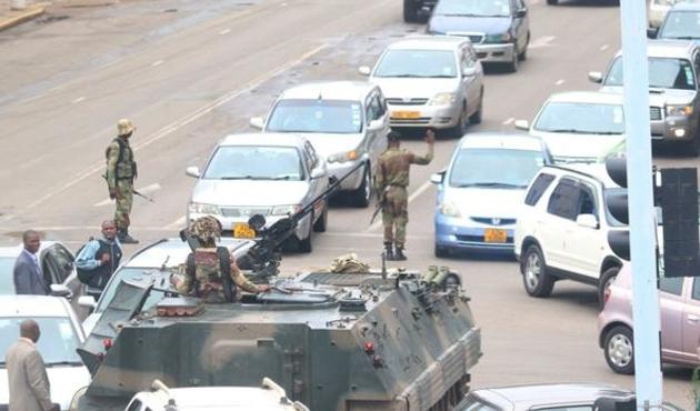Güney Afrika ülkeleri Zimbabve için acil toplandı