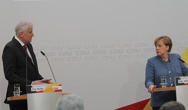 Almanya'da 'Jamaika koalisyonu'nu kurma çalışmaları uzuyor