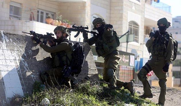 İşgal ordusu Filistin'in Halhul beldesini kuşatma altına aldı