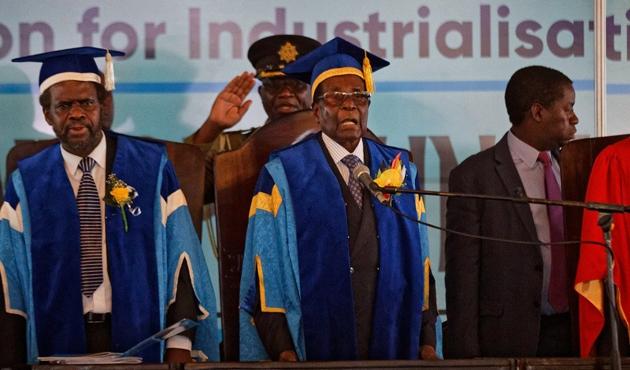 Mugabe askeri müdahale sonrası ilk kez halk arasında