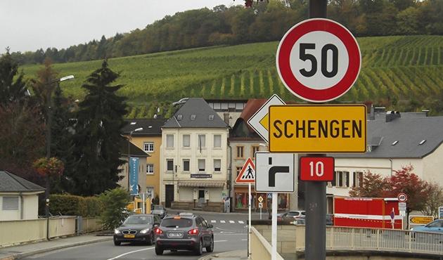 AB'ye Schengen vizesi almak kolaylaşıyor