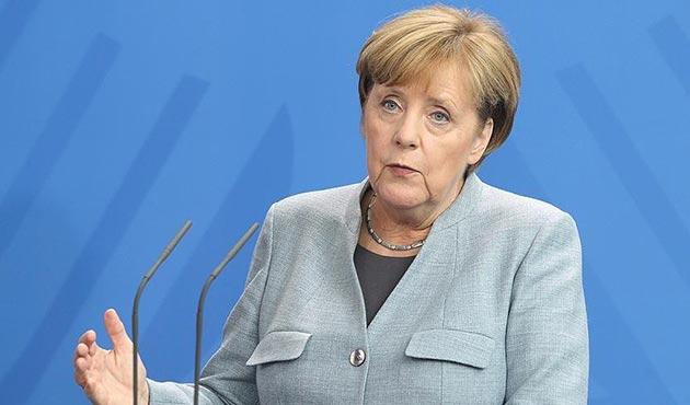 Merkel: ABD'nin Kudüs kararıyla hemfikir değiliz