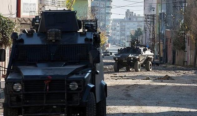 Silopi'de askeri araca terör saldırısı