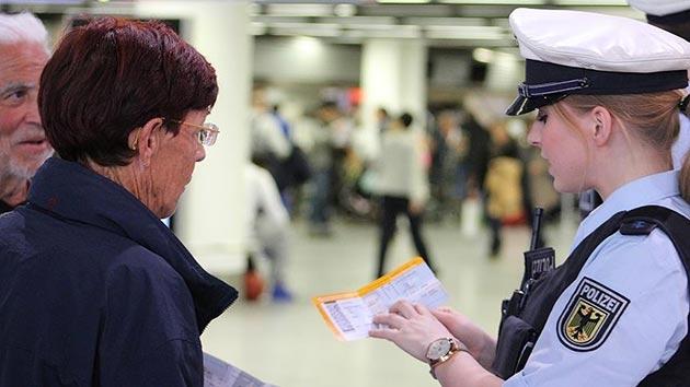 Alman havalimanlarına Yunan polisi yerleştirilecek
