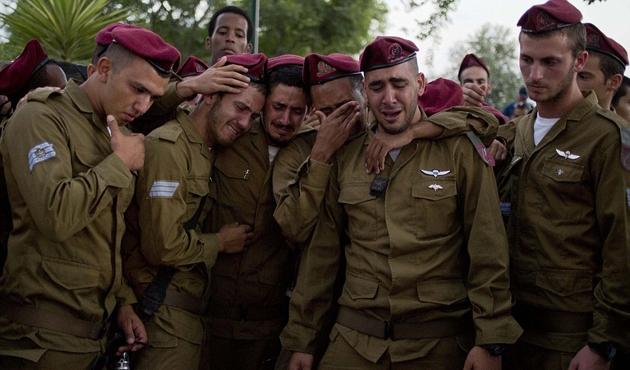 İsrail'in güneyinde bir İsrail askeri öldürüldü