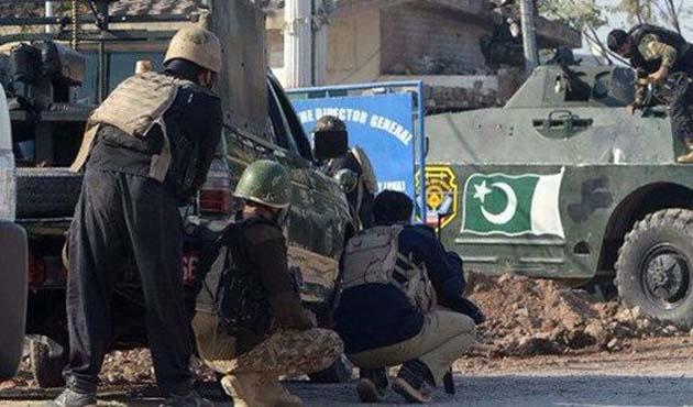 Pakistan'da öğrenci yurduna saldırı,11 ölü