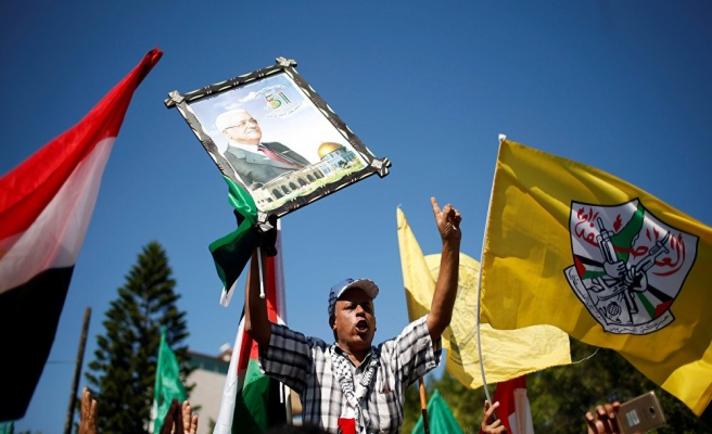 Gazze'de 'uzlaşı sürecine destek' yürüyüşü