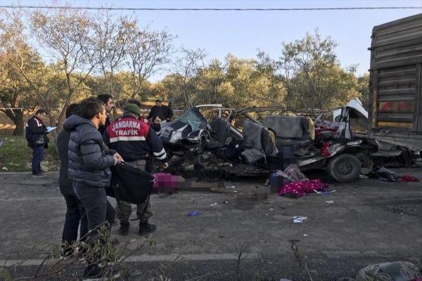 Hatay'da feci kaza, 11 ölü 9 yaralı