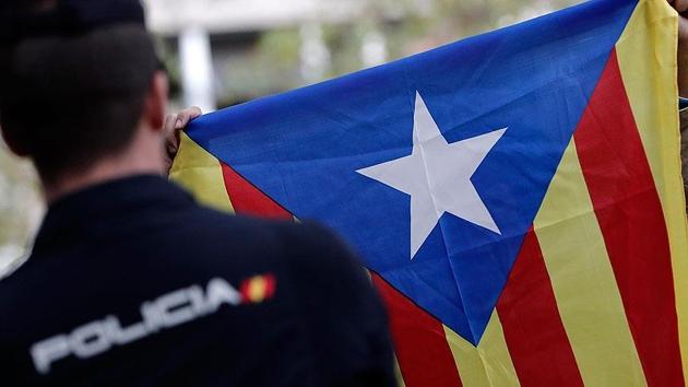 6 Katalan siyasetçi için şartlı tahliye kararı