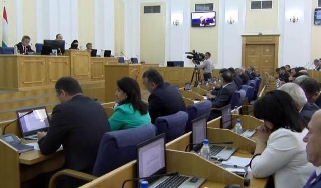 Tacikistan'da artık dini parti kurulamayacak