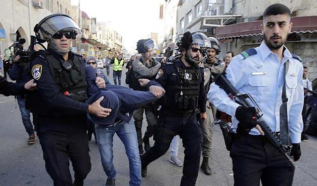 İşgal güçleri Batı Şeria ve Doğu Kudüs'te 150 Filistinliyi gözaltına alındı