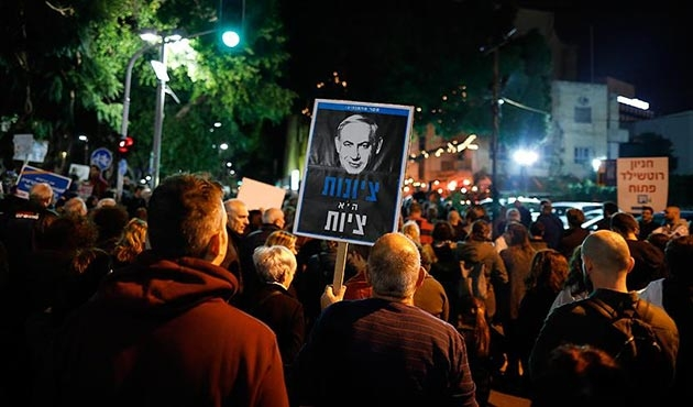 On binlerce İsrailliden Netanyahu'ya protesto