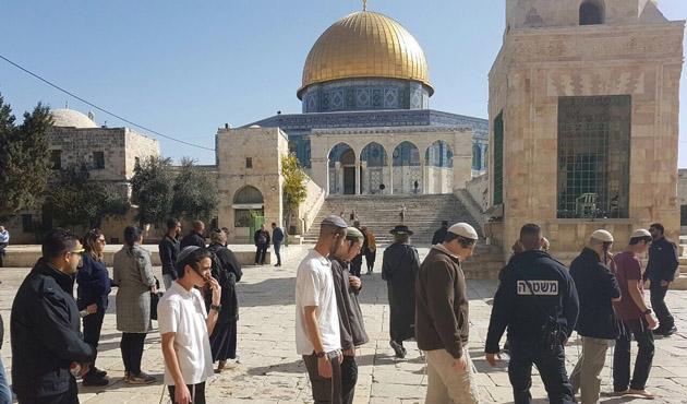 Mescid-i Aksa'ya 49 fanatik Yahudi baskın düzenledi