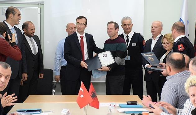 Türk polisinden Arnavutluk polisine eğitim desteği