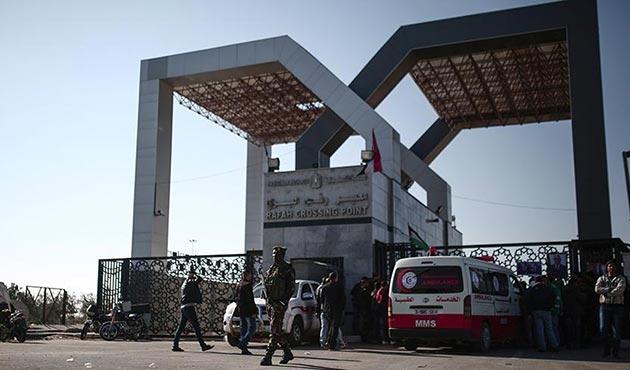 Mısır, Refah Sınır Kapısı'nı 4 günlüğüne açtı