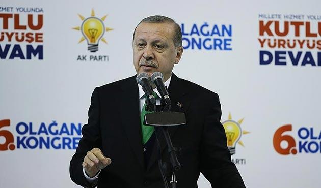 Erdoğan: Suriye'de DEAŞ'a 'kaç', YPG'ye 'tut' diyen aynı merkezdir