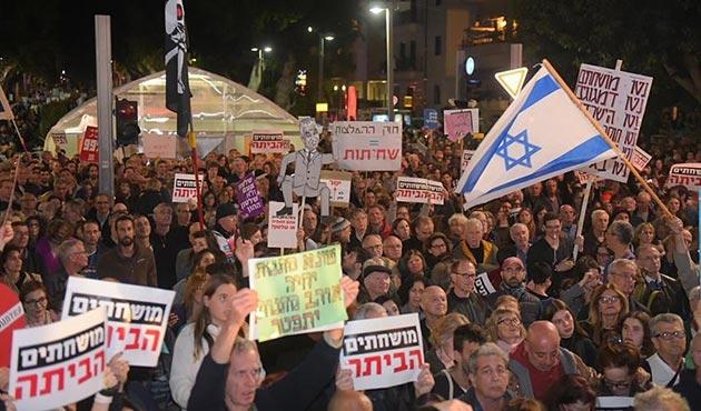 Tel Aviv'de Netanyahu'ya büyük protesto
