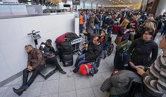 ABD'de binlerce yolcu Atlanta Havalimanı'nda mahsur kaldı