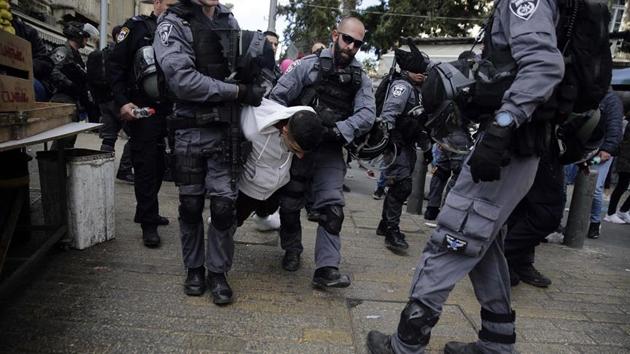 İşgal güçleri Batı Şeria ve Gazze'de 27 Filistinliyi gözaltına aldı