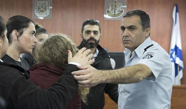 Filistinli Ahed'in annesi ve kuzeninin de gözaltı süresi uzatıldı