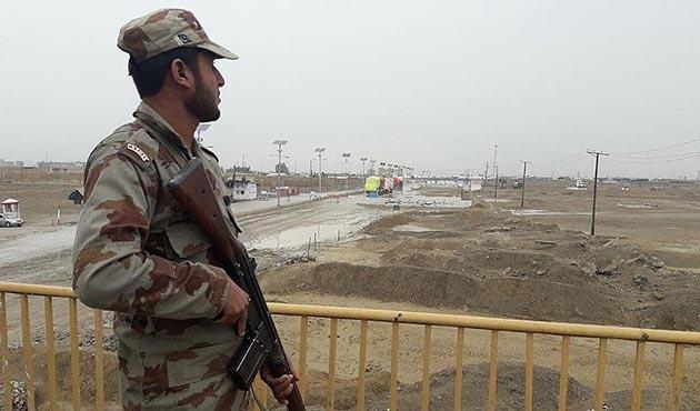 Hindistan-Pakistan sınırındaki çatışmada 4 Hint askeri öldü
