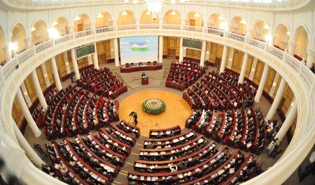 Özbekistan'da 50 yüksek dereceli bürokrat kovuldu