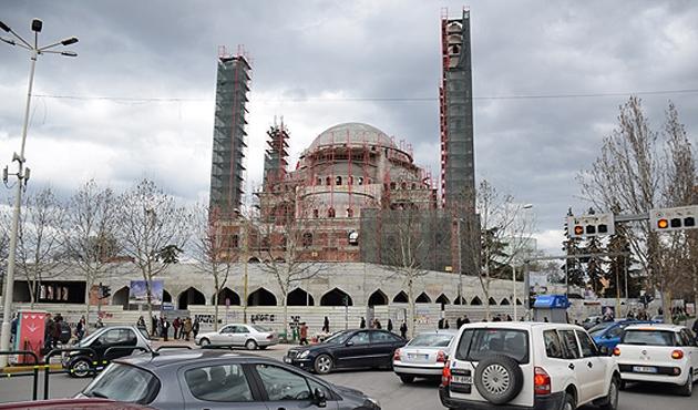 Balkanların en büyük camisi Arnavutluk'ta olacak