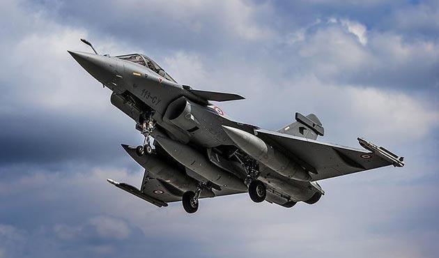 Fransa ile Belçika arasında 'savaş uçağı' gerilimi