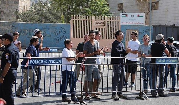 Yahudi işgalciler Filistin okuluna baskın düzenledi