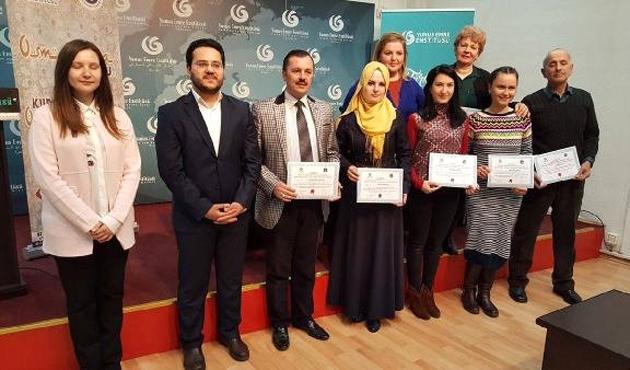 Kosova'da Osmanlıca kursuna katılanlara sertifika