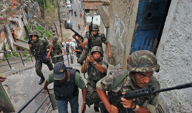 Brezilya'da güvenlik orduya devredildi